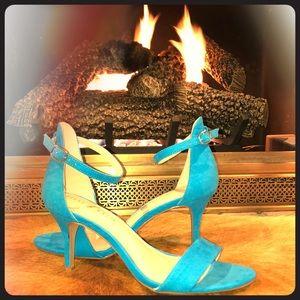 "NWOT 3"" Sandals"